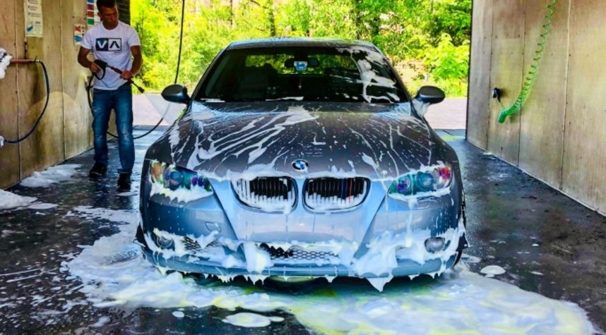 Main photo of Zachary Johnson's 2009 BMW 3 Series