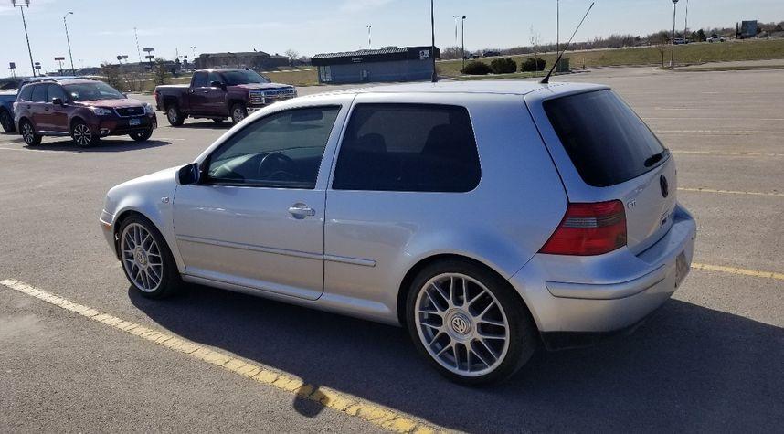 Main photo of Riley Smith's 2002 Volkswagen GTI