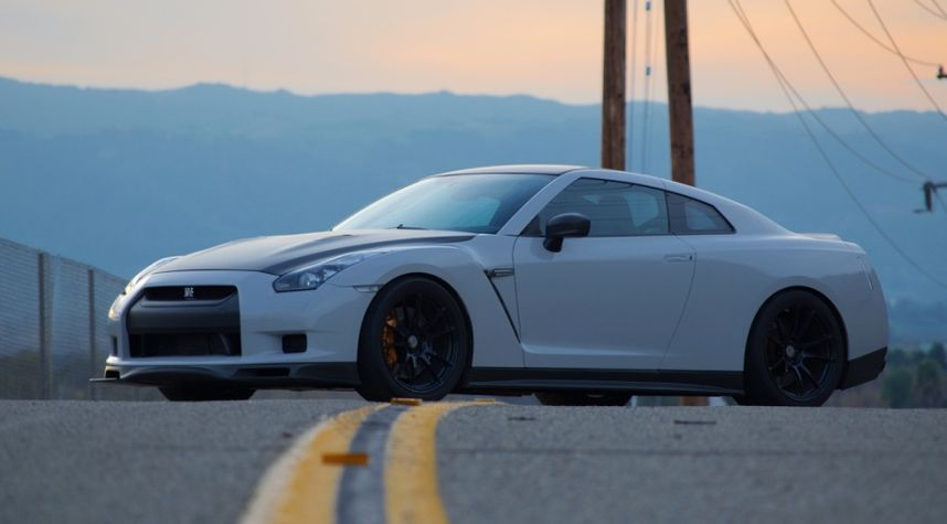 Main photo of Danny Pak's 2010 Nissan GT-R