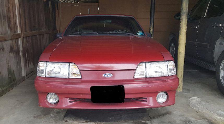 Main photo of Jordan Villaros's 1991 Ford Mustang
