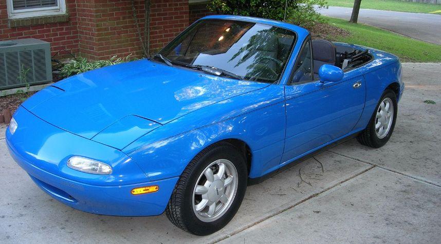 Main photo of Dakota Filyaw's 1993 Mazda MX-5 Miata