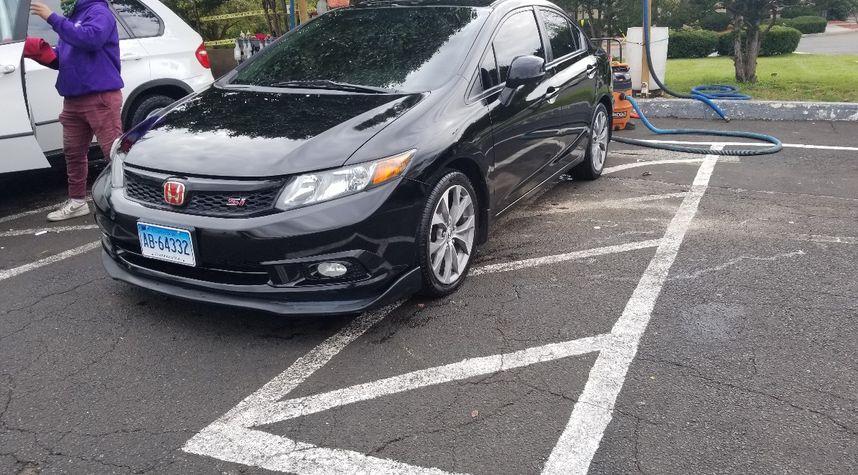 Main photo of Anthony Velazquez's 2012 Honda Civic