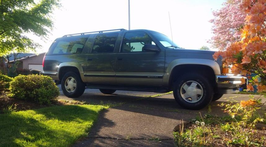 Main photo of MaxTheSpy Official's 1999 Chevrolet Suburban