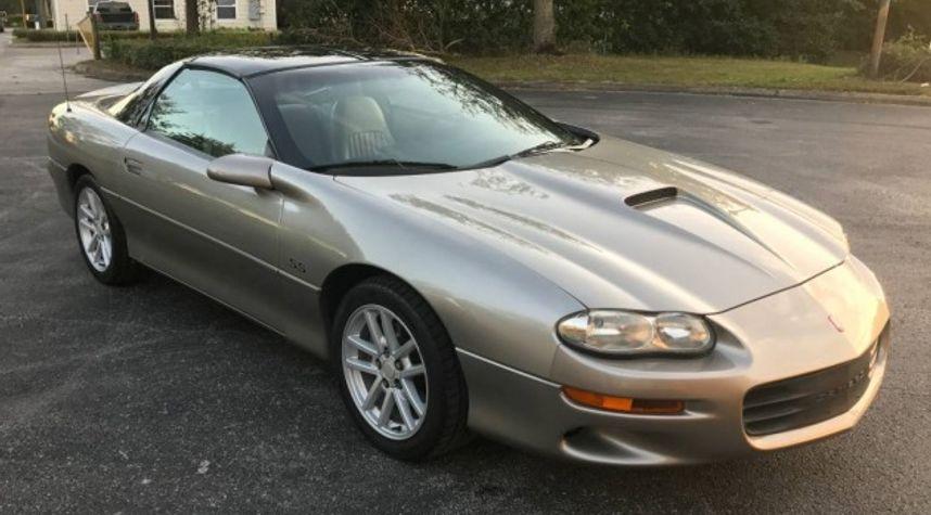 Main photo of Kevin Plain's 1999 Chevrolet Camaro