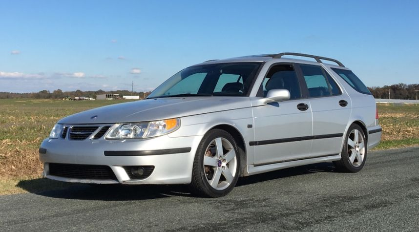 Main photo of Alex Pancamo's 2004 Saab 9-5