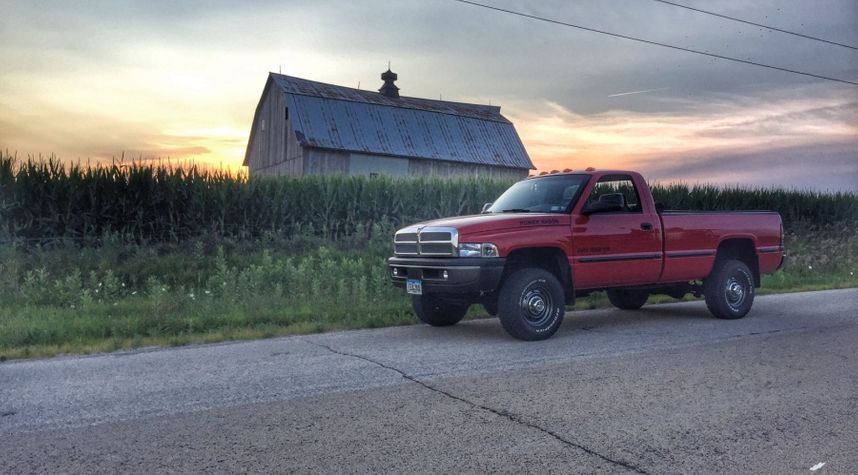 Main photo of Zach Will's 1999 Dodge Ram Pickup 2500