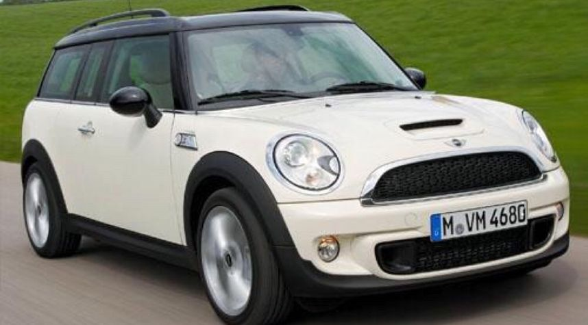 Main photo of Ashton Souvananvong's 2009 MINI Cooper