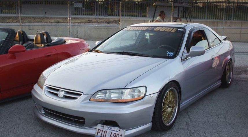 Main photo of Oliver Ugalde's 2001 Honda Accord