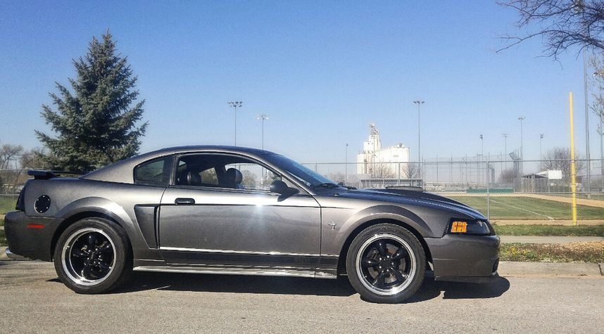 Main photo of Jon Geving's 2003 Ford Mustang