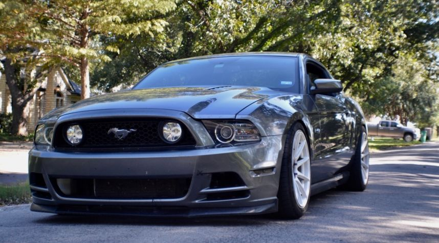 Main photo of Josh Kurtz's 2013 Ford Mustang