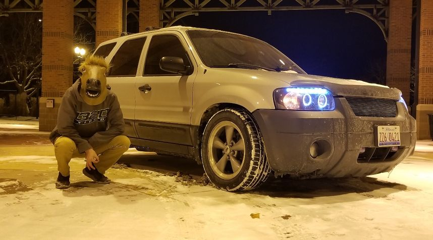 Main photo of Sam Willadsen's 2005 Ford Escape