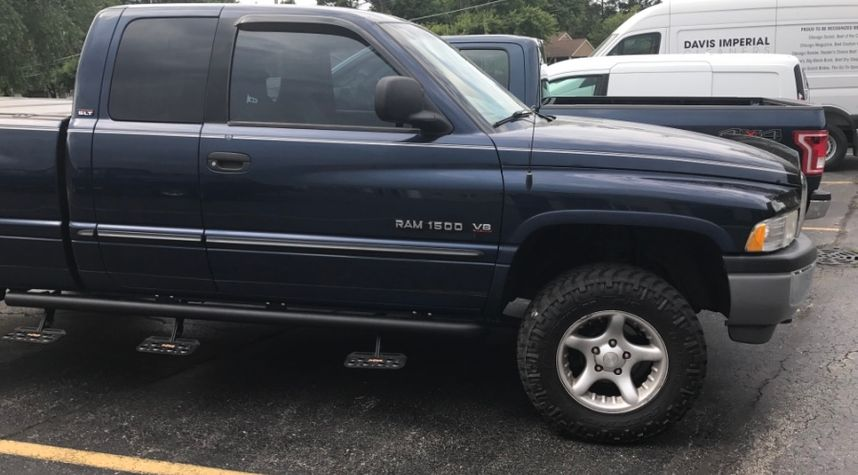 Main photo of Chris Davis's 2000 Dodge Ram Pickup 1500