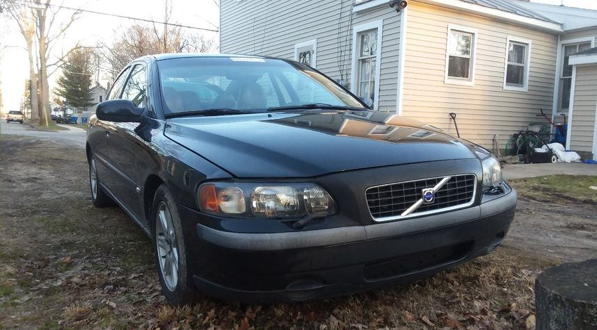 Main photo of Joe Musselman's 2002 Volvo S60