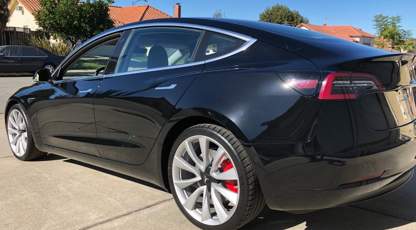 Main photo of Kurt Wubbels's 2019 Tesla 3