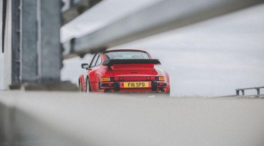 Main photo of Frank Cassidy's 1989 Porsche 911