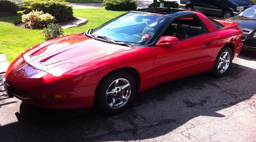 Main photo of Brendan Krause's 1997 Pontiac Firebird