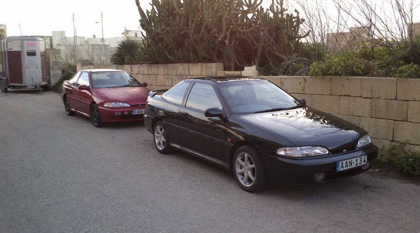 Main photo of Ephraim Azzopardi's 1995 Hyundai Scoupe