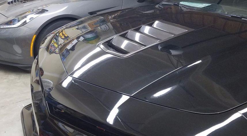 Main photo of Roxy Vendena's 2015 Chevrolet Camaro