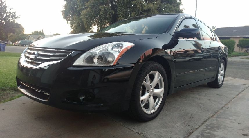 Main photo of Amritpal Bal's 2012 Nissan Altima