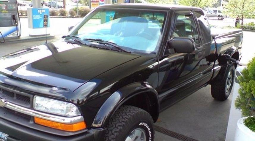 Main photo of Calvin Burkhead's 2001 Chevrolet S-10