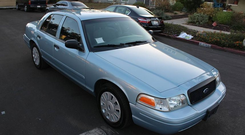 Main photo of James Skye's 2008 Ford Crown Victoria
