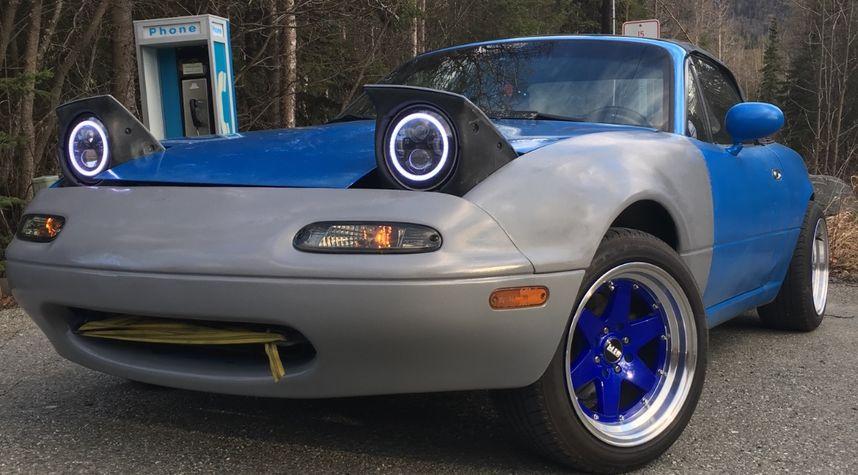 Main photo of Joshua Bongers's 1997 Mazda Miata