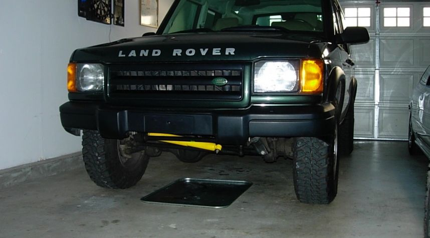 Main photo of Jerome Joanino's 2000 Land Rover Discovery Series II