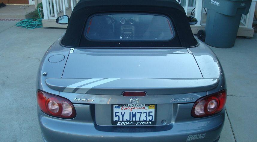 Main photo of Howard Sohn's 2004 Mazda MAZDASPEED MX-5 Miata
