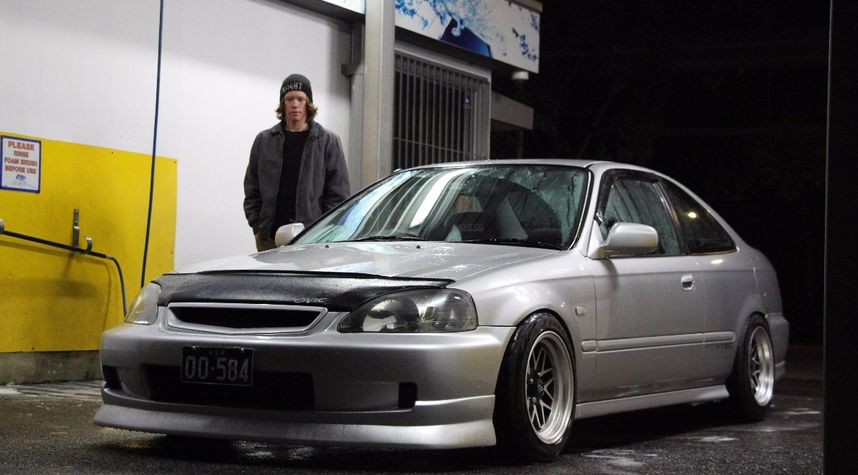 Main photo of Laurence Halkyard's 1999 Honda Civic
