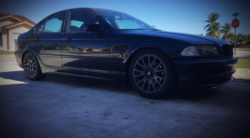Main photo of Joel  Diaz's 1999 BMW 3 Series