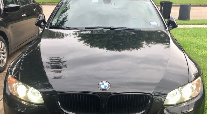 Main photo of Michael Young's 2009 BMW 3 Series
