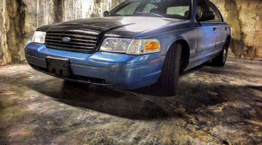 Main photo of Devin Heagey's 2011 Ford Crown Victoria