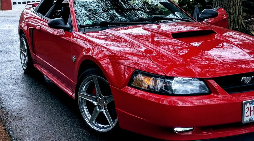 Main photo of Josh Scully's 1999 Ford Mustang