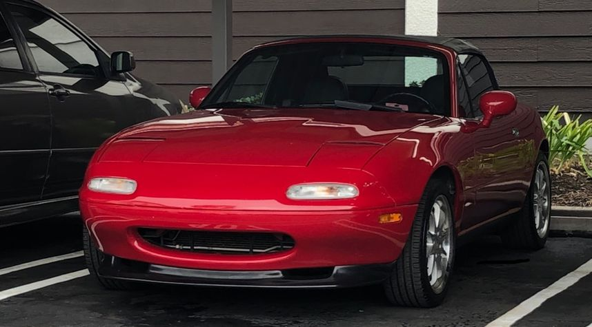 Main photo of Paul Pszybylski's 1995 Mazda MX-5 Miata