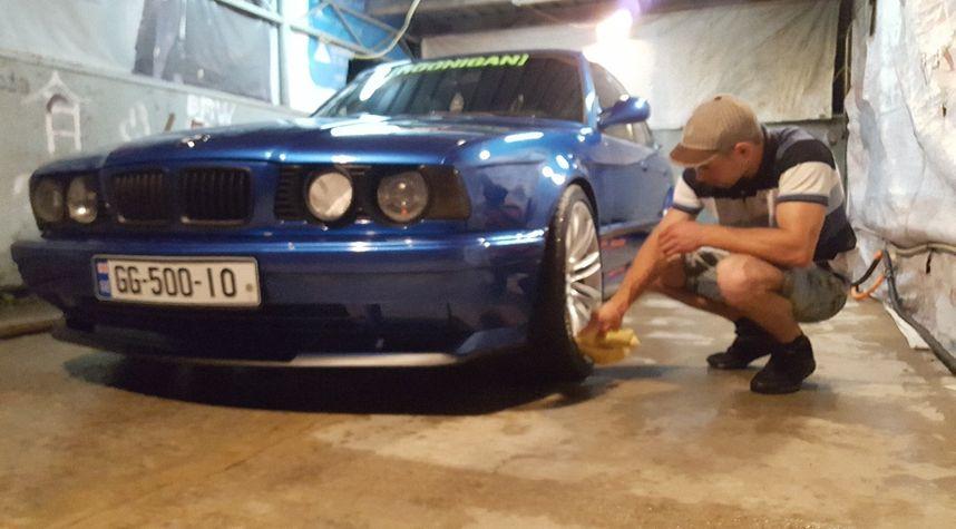 Main photo of გიორგი პაპიაშვილი's 1994 BMW 5 Series