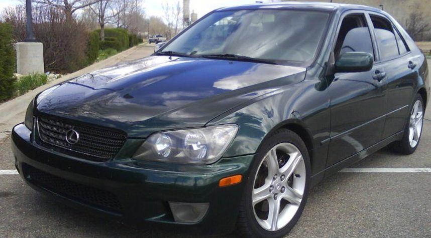 Main photo of Alex Staley's 2001 Lexus IS 300