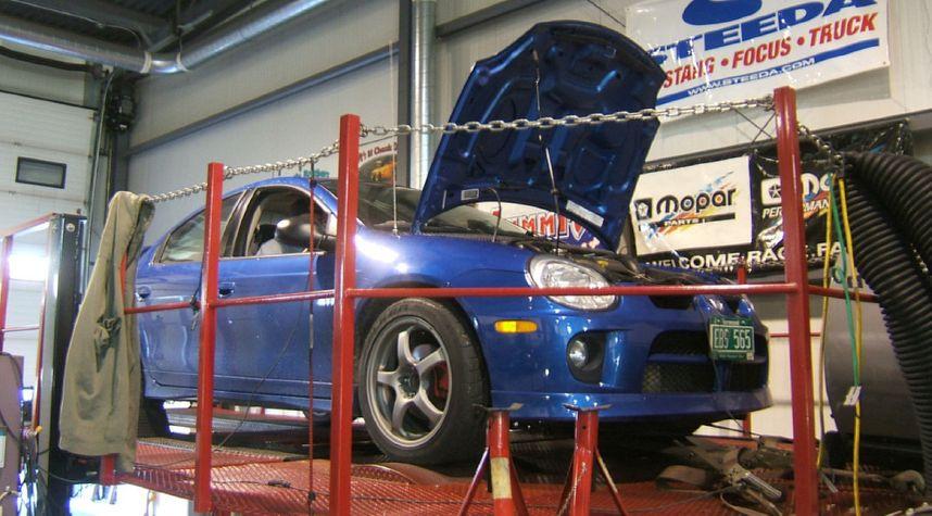 Main photo of Andrew Cole's 2004 Dodge Neon