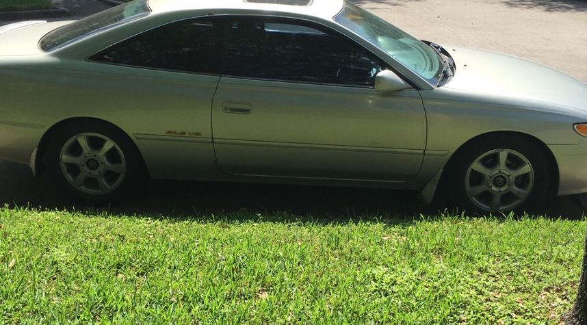 Main photo of Josh Ambala's 1999 Toyota Camry Solara