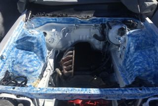 homepage tile photo for Who else has a custom painted engine bay ? (Ignore the old nasty...