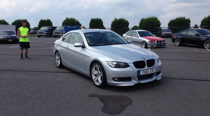 Main photo of Imran Choudhury's 2007 BMW 335i