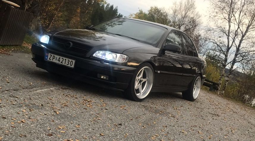 Main photo of Are Jaegervand's 2000 Opel Omega