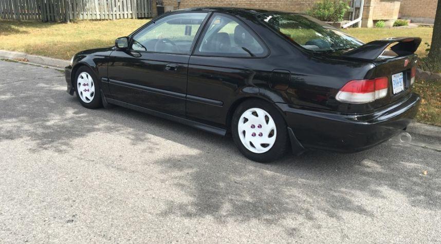 Main photo of Jonathan Bovell's 1997 Honda Civic