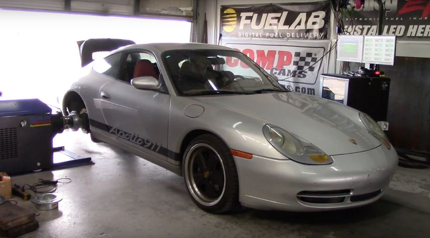 Main photo of Hoovies Garage's 1999 Porsche 911