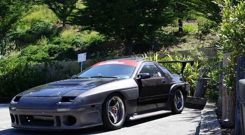 Main photo of Matt Tran's 1989 Mazda RX-7