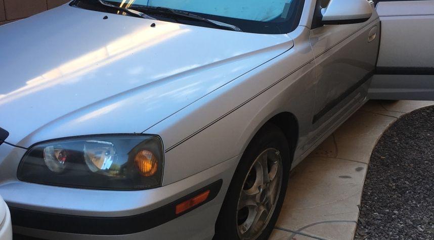 Main photo of Cameron Martin's 2005 Hyundai Elantra