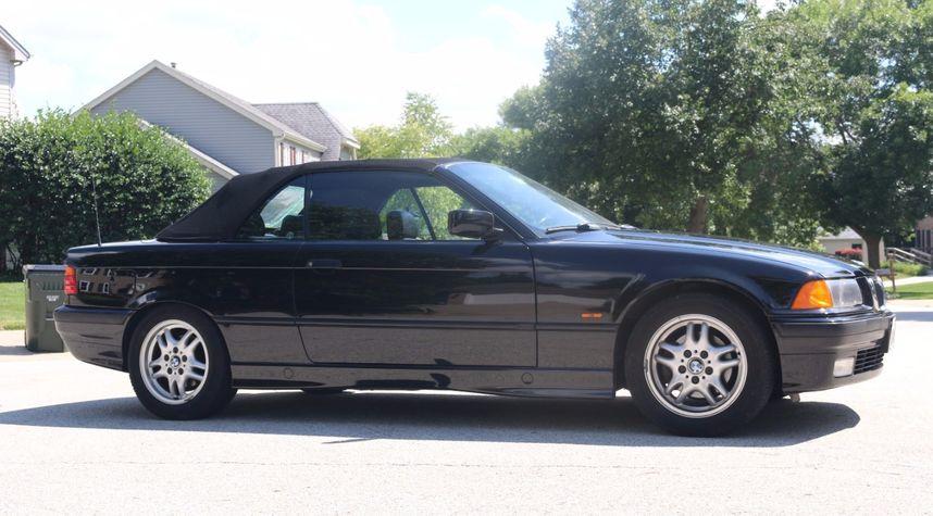 Main photo of Justin Baczek's 1998 BMW 3 Series