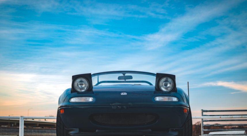 Main photo of Tony Pesina's 1996 Mazda MX-5 Miata
