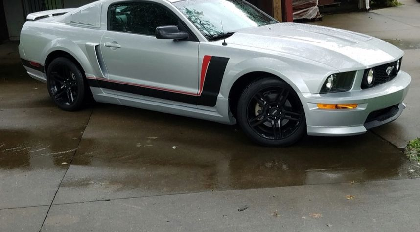 Main photo of Austin McWhite's 2009 Ford Mustang
