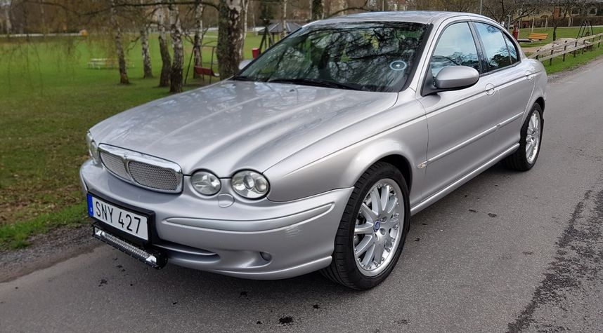 Main photo of Dan Backman's 2001 Jaguar X-Type