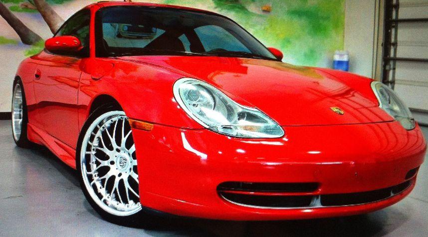 Main photo of Nhan Tang's 2000 Porsche 911